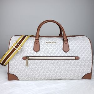 🌺NWT Michael Kors Travel duffle bag Vanilla brown